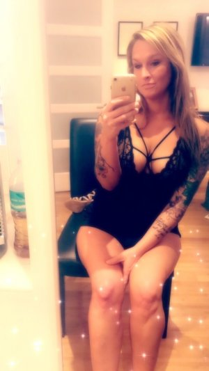 Susane escort girls in Bridgeview